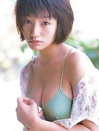 Asian cutie Kaori Manabe has her perfect petite body in a bikini