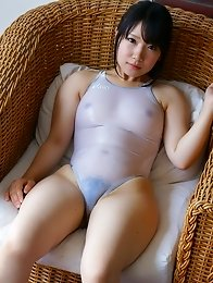 Japanese hottie stripped naked and pussy licked