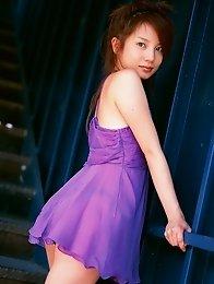 Lustful beauty Chinami Ishizaka is to die for in her bikini