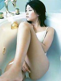Mami Yamasaki cute model wearing a variety of swimsuits