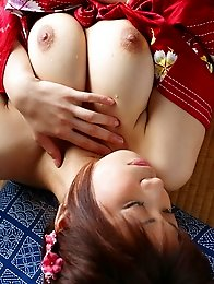 Sexy and busty japan idol Miu Aikawa in kimono