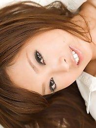 Japanese honey girl Emiri Seno strips on veranda