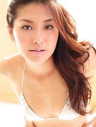 Haruna Yabuki bikini babe in a variety of glamour pictures