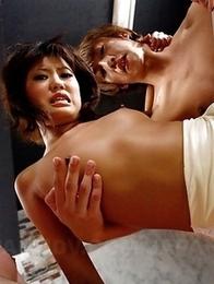 Ruri Kinoshita enjoys in group sex