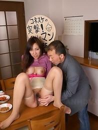 Nao Sakurai shows her fine bush