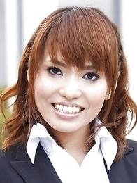 Yui Shimizu getting ready for sex