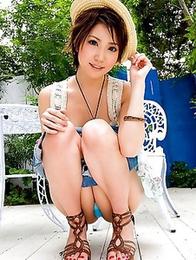 Hot Makoto Yuuki is demonstrating her wonderful lingerie