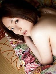 Asian Yuzuka Kinoshita want to show you her impressive shapes