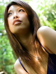 Reira Amane is able to make your lonely night unforgettable