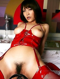Cocomi Sakura�s fantastic breasts will show you happiness