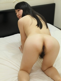 Mayu Kudo strips down to pose naked and bend over to show us her sexy Japanese booty